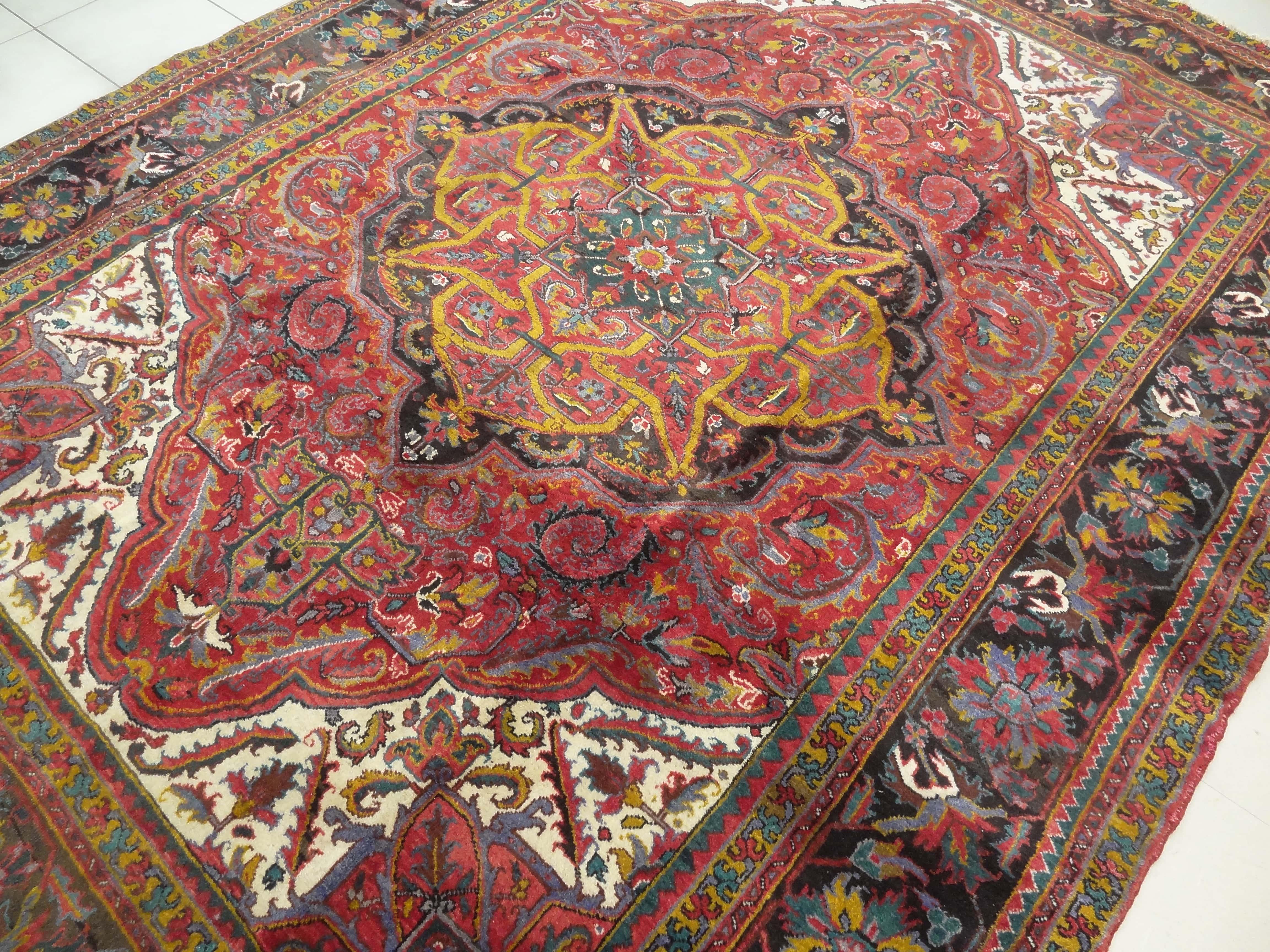 Heriz Persian Rug Heriz Persian Rug Made In Iran This 60